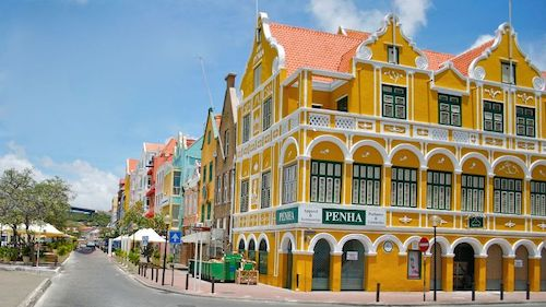Where to rent a car in Curacao?