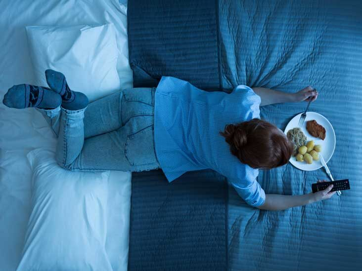 Is It Okay To Eat Before Bed?