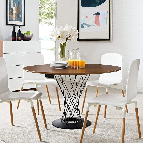 Round Kitchen Table and Chairs: Benefits and advantages